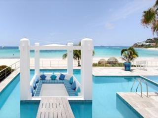 Gorgeous 3 Bedroom Beachfront Villa | Island Properties