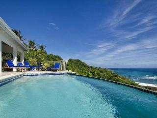 Ocean views from every room, infinity pool and just a short walk to beach, St. Maarten