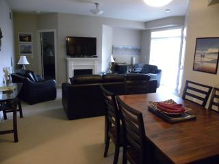 Excellent Family Condo by BEACH!, Kelowna