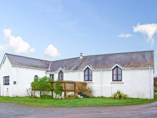 THE FORGE, all ground floor, family-friendly, close to coast in St. Ishmaels