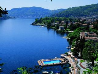 EXQUISITE  VILLA ELIKA -  COMO CENTRO  PENTHOUSE - Sleeps 5 - 2BD/ 2BA- VIEWS, Como