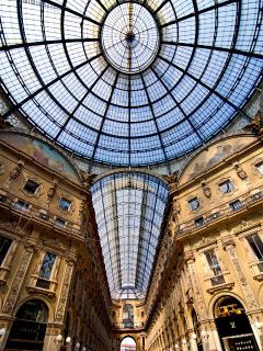 Galleria Shopping Center in Milan - day trip