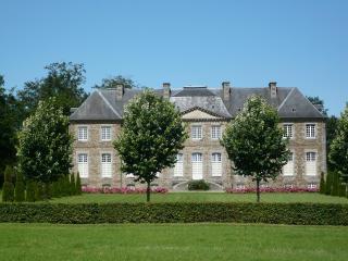 Chateau de Saint Charles de Percy. B&B in Normandy, Saint-Charles-de-Percy