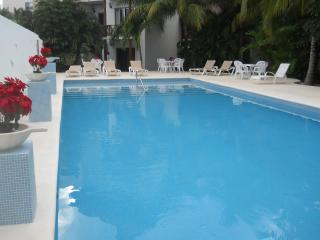 Beautiful 1 BR condo by the Caribbean, Playa del Carmen