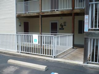 Condo entrance - Parking in front of the condo and no steps
