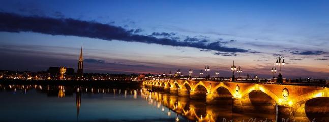 Bordeaux by night