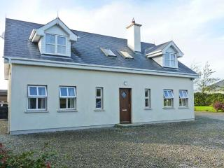 BELGROVE CROSS COTTAGE open fire, family-friendly, ground floor bedroom in Duncormick Ref 14151