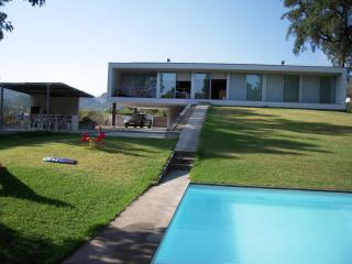 Modern 3 bdr Villa on a very nice rural area
