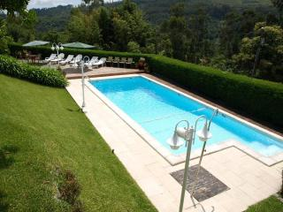 Nice 3bdr Country House pool, AC in living room, Vila Verde