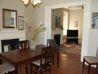 Luxury Townhouse in Downtown Historic District, Savannah