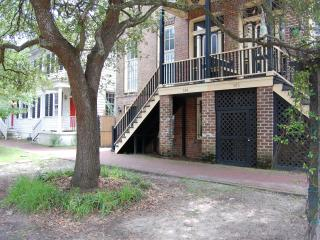 Luxury Townhouse in Downtown Historic District