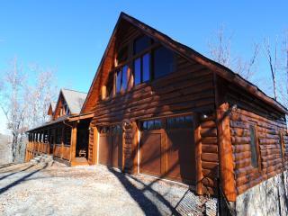 Luxury Mountain Lodge with Soaring Views-5,000SqFt