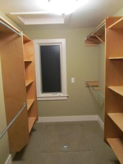 walk in closet master bedroom