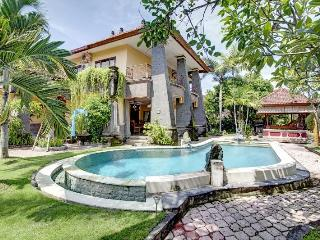 Villa 4 bedroom oasis in Seminyak