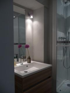 shower bnb