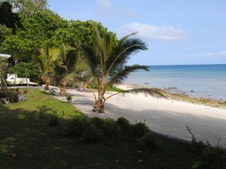 Beachfront Villas with great snorkeling, Port-Vila