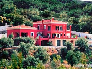 Stylish Regina Rossa with great sea views, Roda