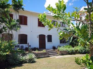 Cee Cee 1 or 2 Bedroom Apt. on Gorgeous West Coast, Gibbes