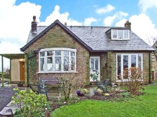 KITTY'S, detached dormer bungalow, woodburner, roll-top bath, enclosed garden