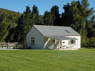 Willowbrook Barn below Coronet Peak, Arrowtown