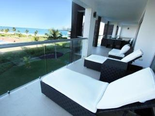 Spacious 4 Bedroom Ocean View Condo - Christian, Playa del Carmen