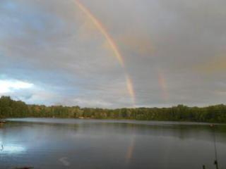Rainbows Promise on pretty lake, close to Pictured Rocks, woodsy area, hiking from door!