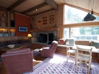 Barry House - 4BR Home + Private Hot Tub - LLH 63290, Teton Village