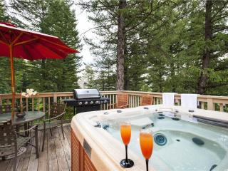 Tuckaway House - 5BR Home + Private Hot Tub - LLH 63231, Teton Village