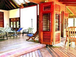 Amaryllis House - Grenada, Crochu
