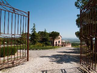 Nobile Vacation Rental Villa in Tuscany, Montepulciano