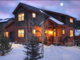 Luxurious & Spacious Vacation Home - Pet-Friendly Home (13529), Breckenridge