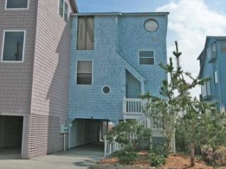 3940 River Road Ext., North Topsail Beach