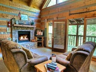 COZY MOUNTAIN HIDEAWAY, Gatlinburg