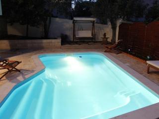 Holiday villa with a pool, Supetar, Brac