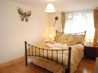 Lower Apartment, Robertsbridge Retreat:PetFriendly