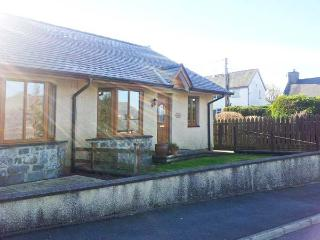 GORWEL, pet-friendly bungalow, close to shop and pub, walks from door, in Llan Ffestiniog, Ref 21481