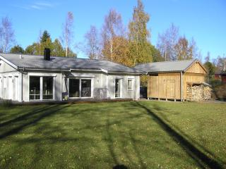 Luxurious home with sauna+WLan, near Lake Vättern, Hjo