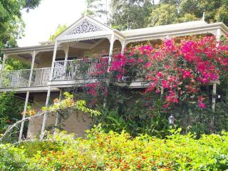 Cooroy Country Cottages (Federation Cottage)