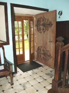 Manoir XV - marble hallway