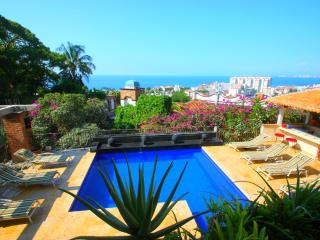 Excellent Location, Gorgeous Views, Full Staff, Puerto Vallarta
