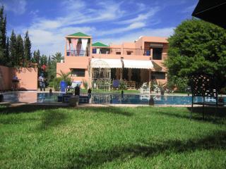 Villa situé à 10 km de marrakech ferme de 15000 m2, Marrakesch