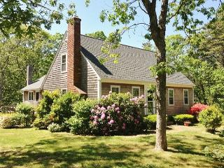 CAPE STYLE 4 BEDROOM 2.5 BATH EASTHAM VACATION HOME NEAR NAUSET LIGHT BEACH!