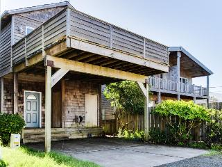 Tranquil beach house w/ ocean view, private hot tub & stylish decor - dogs ok!