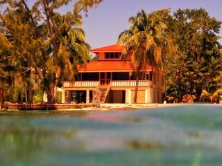 Utila Dreamer Beach House