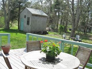 THIS SWEET COTTAGE NEAR CAPE COD BAY SLEEPS 4 GUESTS IN A PEACEFUL SETTING.