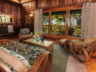 Anini Beachfront, Cottage for Two! Newly updated furnishings and landscape!, Kilauea