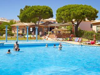 Modern T1 Albufeira 4*  Oura  Strip swimming pool