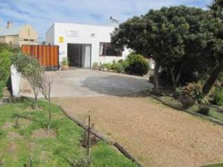 Spear Chukka Kalahari self catering cottage, Cape Town Central