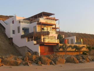 Casa Vikinca in sunset