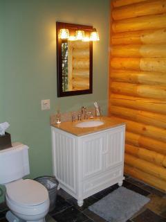 Loft bathroom with tub/shower